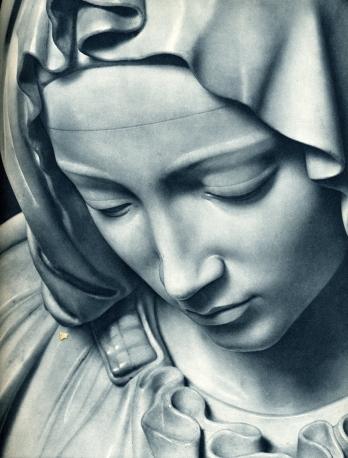 Resultado de imagen para escultura de la virgen cargando a jesus